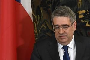 Ruský velvyslanec Alexander Zmejevskij.