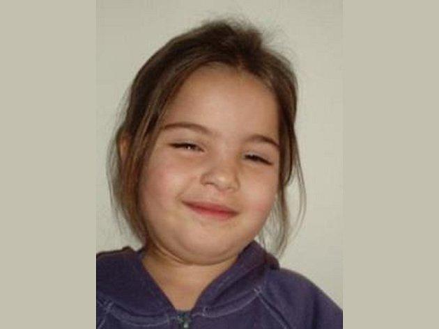 Naléhavé pátrání vyhlásili policisté v neděli odpoledne po bezmála 4leté Nikoletě Kotlárové ze Slovenska.