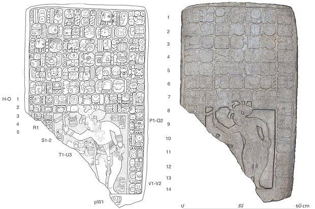 Kamenná tabule nalezená v mayském městě Sak Tz'i