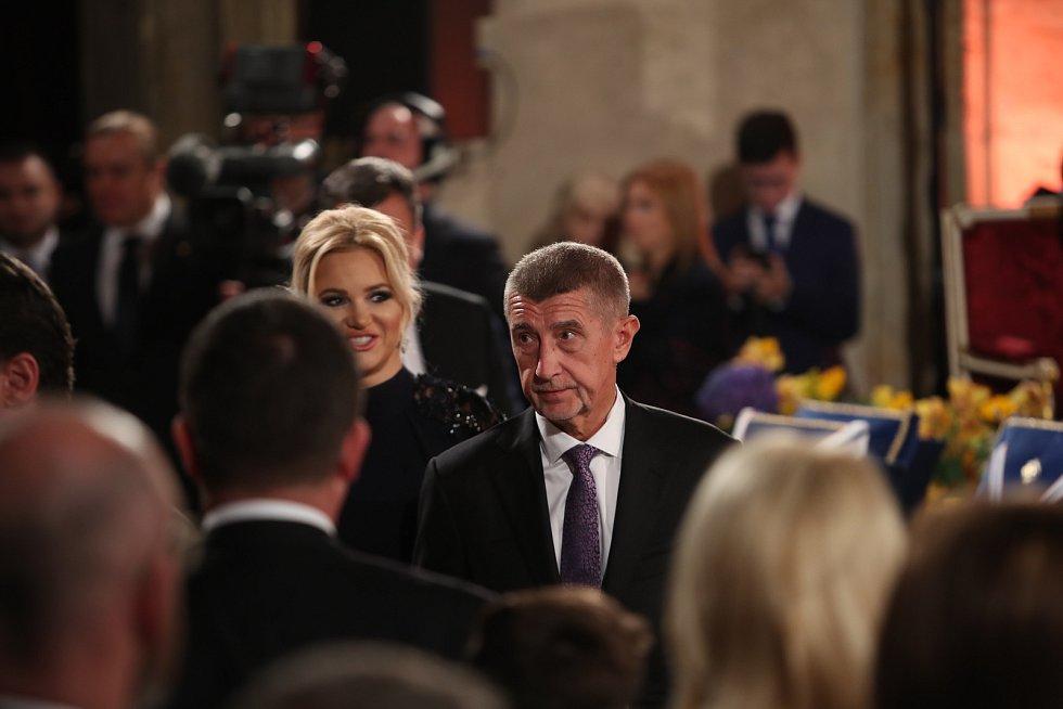 Předávání státních vyznamenání 28. října na Pražském hradě. Andrej Babiš s manželkou.