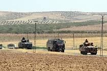 Turecká armáda na hranicích se Sýrií