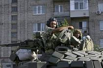 Proruští radikálové na obsazených územích Doněcké oblasti zřídili stanné soudy a vojenské tribunály s právem poprav.