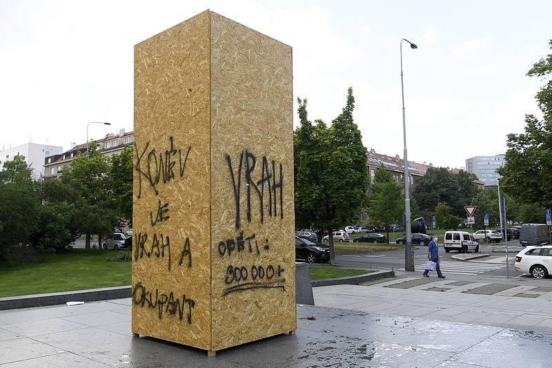 Pomník maršála Koněva byl odstraněn v dubnu 2020