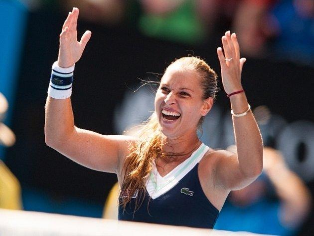 Dominika Cibulková slaví cenný postup do finále.