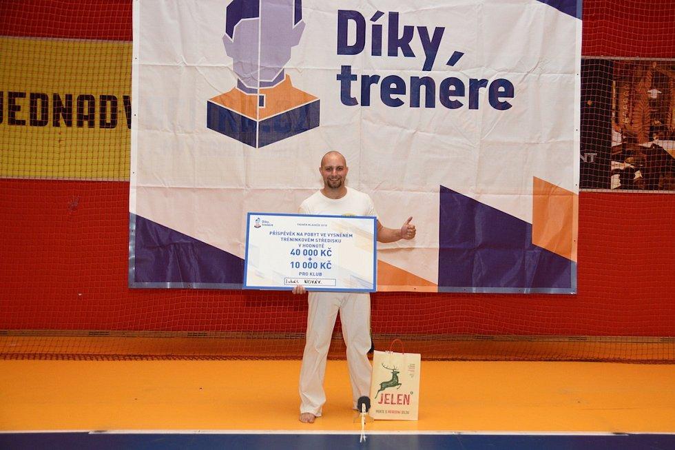 """I letošní akce """"Díky, trenére"""" se podařila. Vítězem se stal Lukáš Novák z Pardubic, který trénuje capoeiru."""