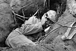 Voják s polním telefonem na Iwodžimě