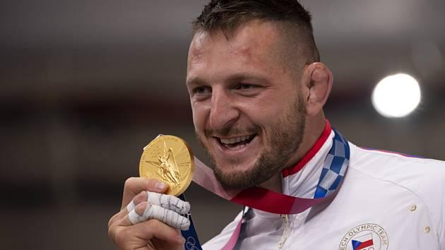 Lukáš Krpálek s medailí