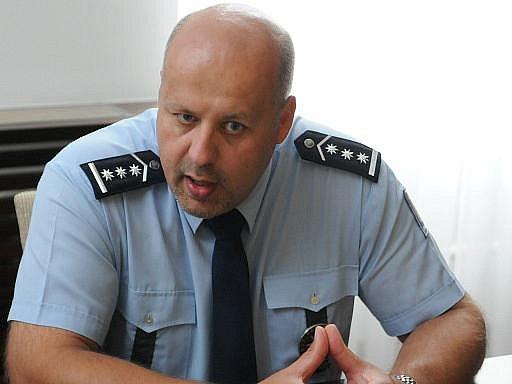 Komise ministerstva vnitra na místo policejního prezidenta vybrala velkou většinou náměstka šéfa jihomoravské policie Petra Lessyho.