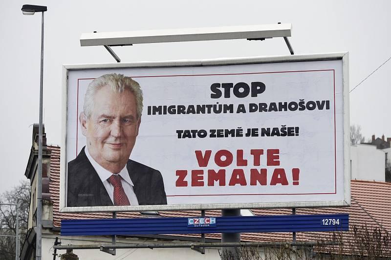 Stejné téma přitom přispělo k úspěchu Miloše Zemana při obhajobě prezidentského mandátu.