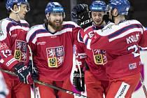 Čeští hokejisté ve svém druhém utkání na Švédských hrách v Göteborgu deklasovali Finsko 7:1 a připsali si první body na turnaji.