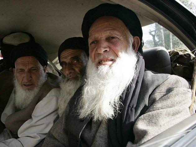 Delegace islamistů, která vyjednala islánské právo pro údolí Swat v Pákistánu.