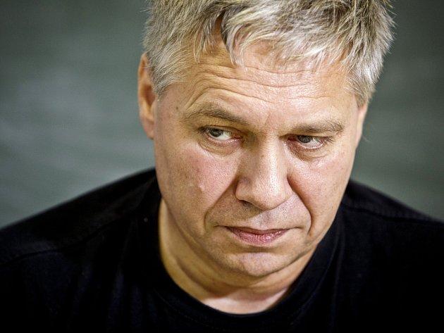 Přední český fyzik profesor Petr Kulhánek.