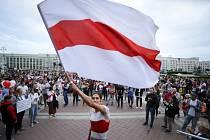 Demonstrace příznivců běloruské opozice na náměstí Nezávislosti v Minsku, 26. srpna 2020