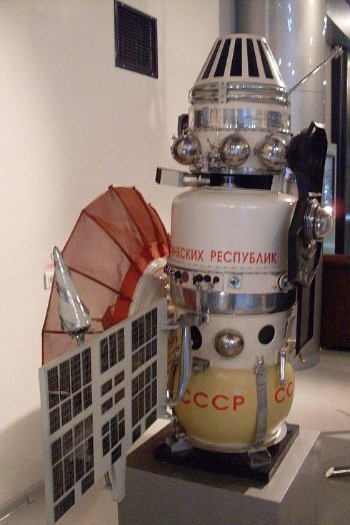 Maketa vesmírné sondy Veněra 4, umístěná v moskevském muzeu kosmonautiky