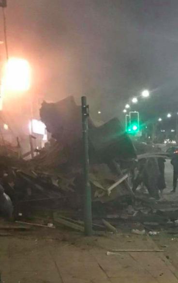 Výbuch a požár v anglickém Leicesteru.