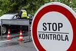 Kontroly vozidel na hraničním přechodu - ilustrační foto.