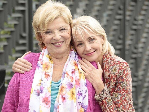 Televize Prima uvede nový seriál Všechny moje lásky podle scénáře Rudolfa Merknera, na obrazovkách se objeví už příští neděli.