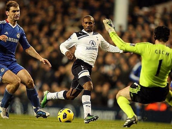 Petr Čech se s Chelsea radoval jen z bodu, v závěru totiž Drogba neproměnil penaltu.
