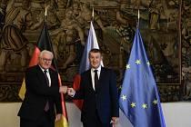 Premiér Andrej Babiš (vpravo) se 27. srpna 2021 v Hrzánském paláci v Praze setkal s německým prezidentem Frankem-Walterem Steinmeierem, který do České republiky přijel na třídenní návštěvu