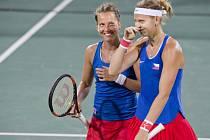 Barbora Strýcová (vlevo) a Lucie Šafářová na olympijských hrách v Riu.