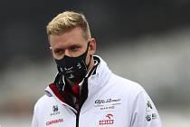 Jezdec týmu Alfa Romeo Mick Schumacher