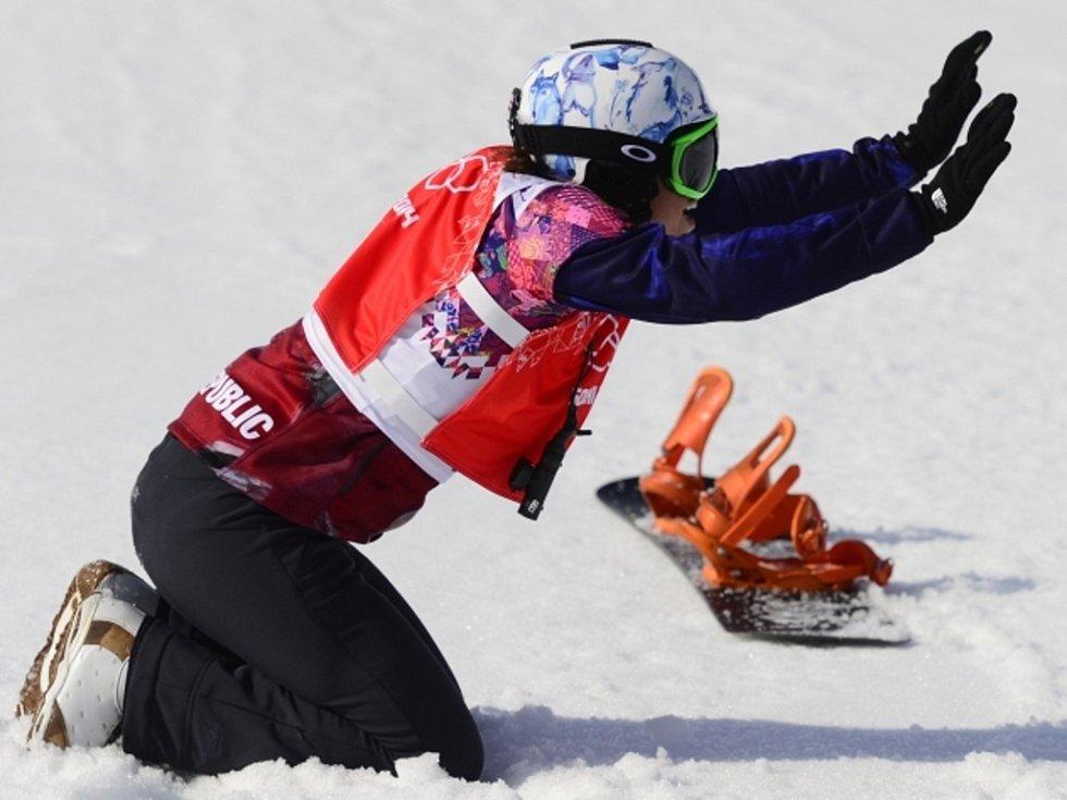 Je zlatá. Eva Samková se raduje z vítězství na olympijských hrách v Soči.