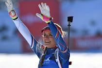 Gabriela Koukalová se raduje ze zlata na mistrovství světa.