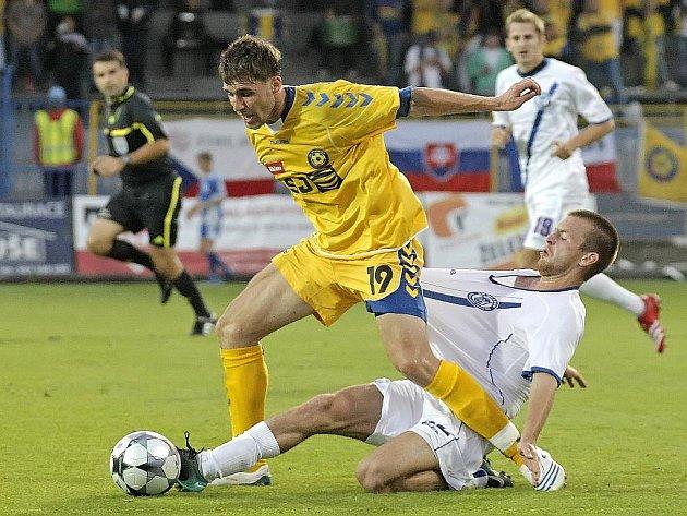 Fotbalisté Jihlavy v zápase s Kladnem.