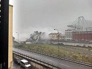 V italském Janově se zřítil most