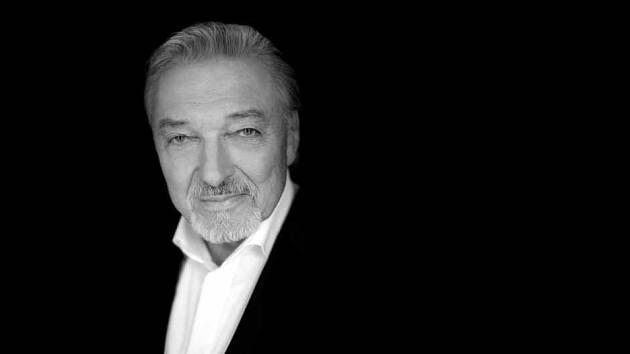 REKORDMAN. Doma i v cizině vydal téměř 300 alb. Během let posbíral přes 120 televizních ocenění, osm zlatých desek a jednu diamantovou. V Německu je Karel Gott populárnější než u nás.