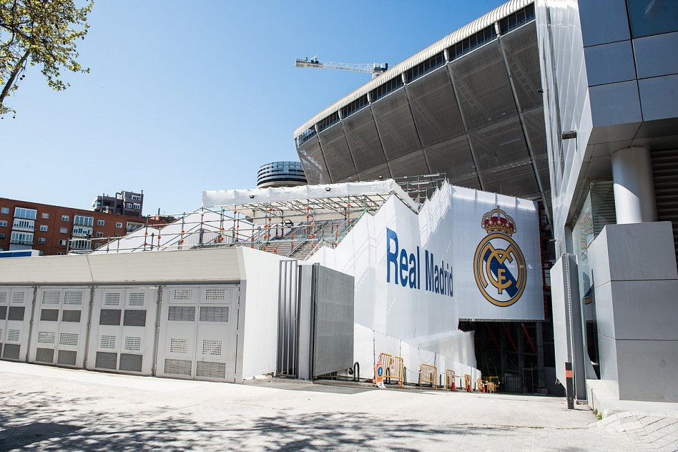 V březnu nabídl pacientům s nemocí covid-19 svůj stadion Santiaga Bernabéu i slavný španělský Real Madrid