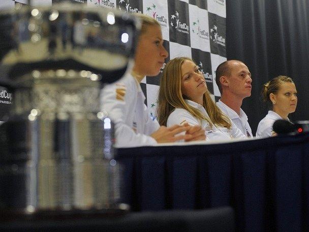 České tenistky na tiskové konferenci před finále Fed Cupu v Praze.