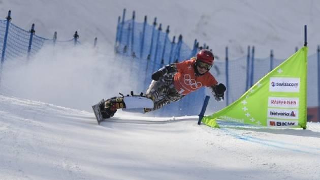 Ester Ledecká během úterního tréninku na snowboardu.