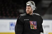 Brankář Pavel Francouz na tréninku české hokejové reprezentace v přípravě na olympijské hry v Pchjongčchangu.