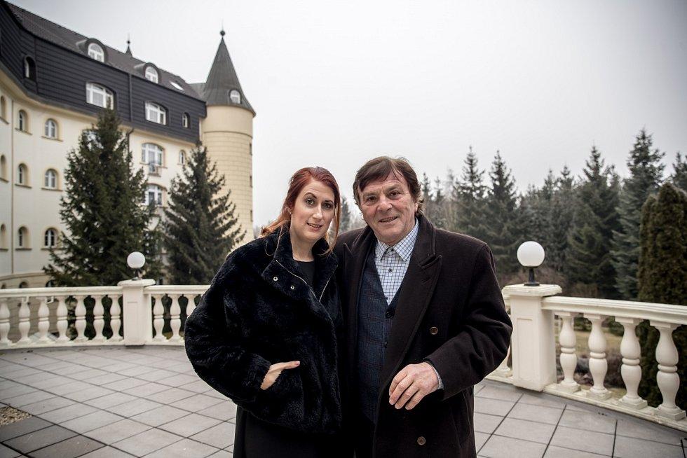 Herec Pavel Trávníček s manželkou Monikou.