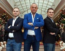 Sportovní agent Pavel Zíka a synové.