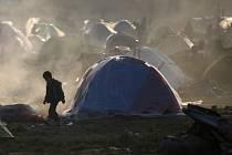 Špatná situace stále panuje v provizorním uprchlickém táboře Idomeni u makedonských hranic v severním Řecku.