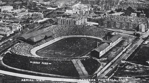 Stadion Ibrox na leteckém snímku z roku 1910