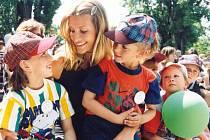 Tereza Maxová mezi dětmi