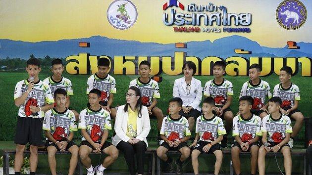 Zachránění chlapci z thajské jeskyně.