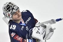Brankář hokejistů Liberce Dominik Hrachovina.