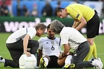 Samih Khedira na turnaji zřejmě kvůli zranění už nenastoupí.