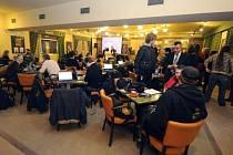 Tiskové středisko kandidáta na prezidenta Karla Schwarzenberga v kavárně pražského kina Lucerna