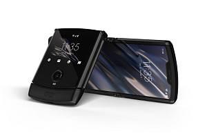 Mobilní sklápěcí telefon Motorola Razr s ohebným displejem