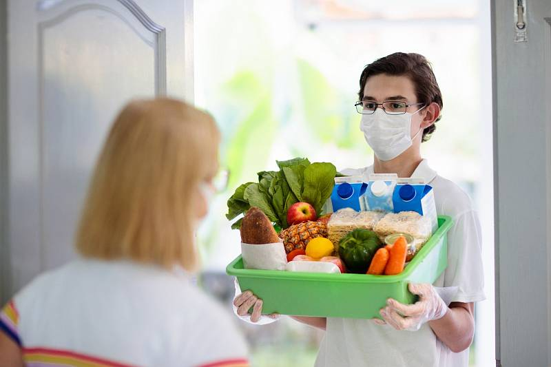 Lidé mají největší zájem o čerstvé potraviny a těžké zboží jako balené vody, trvanlivé mléko či prací prášky.