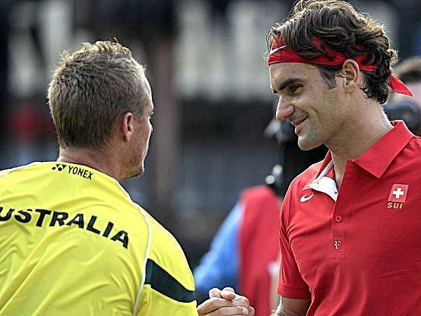 Federer na trávě v Sydney zdolal domácího Hewitta.