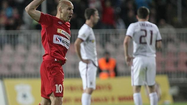 Pavel Mezlík z Brna se raduje z gólu proti Spartě.