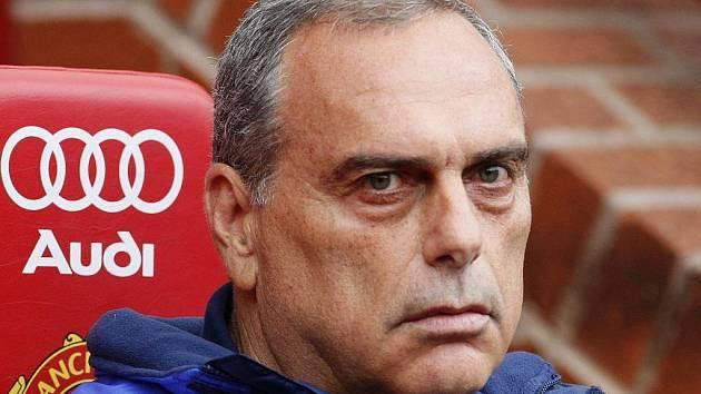 Trenér Chelsea Avram Grant se na úterní anglické derby těší.