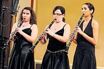 Tradice. Nadace Leontinka pokračuje v předvánočních benefičních koncertech již třetím rokem. Letos v tomto projektu nevidomí studenti hudby spojili své síly s vidícími muzikanty.