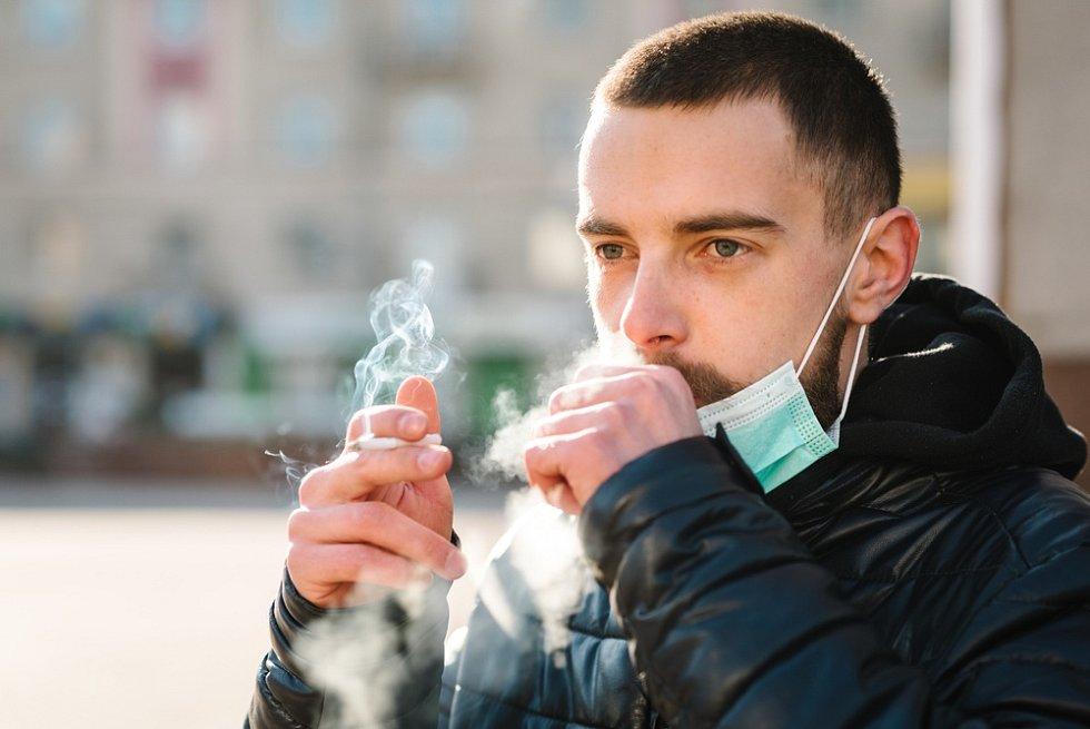 Kouření a koronavirus - Ilustrační foto
